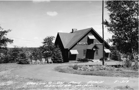Cragun's Original Lodge in 1941